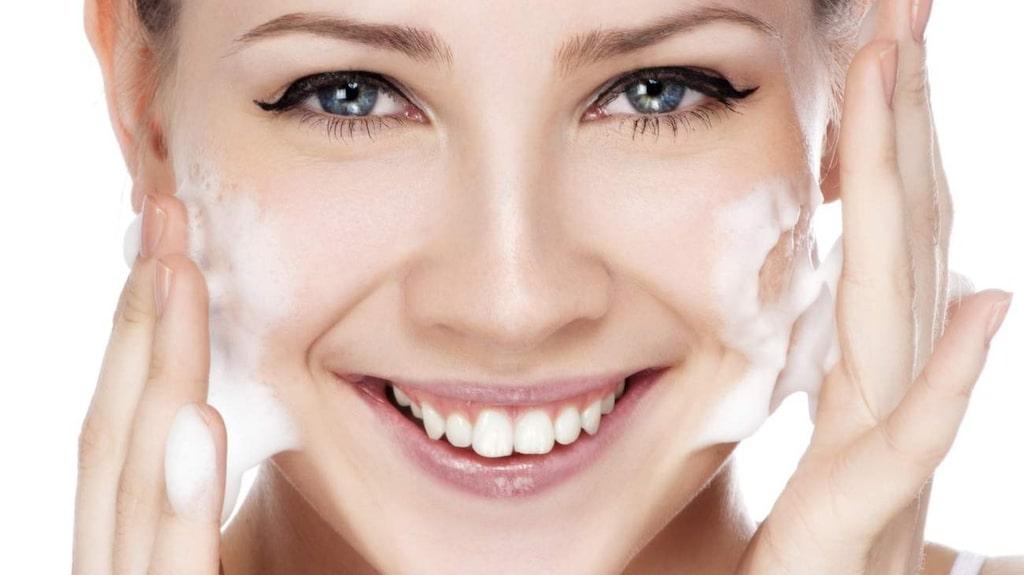 <p>Så väljer du rengöring som hjälper huden i balans. Vi har testat tre nyheter.<br></p>