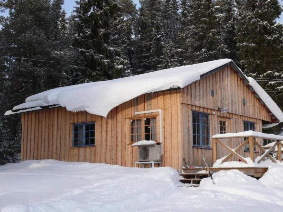 Funäsdalen. Fullt utrustad stuga med 7 bäddar, med vedeldad bastu på tomten.