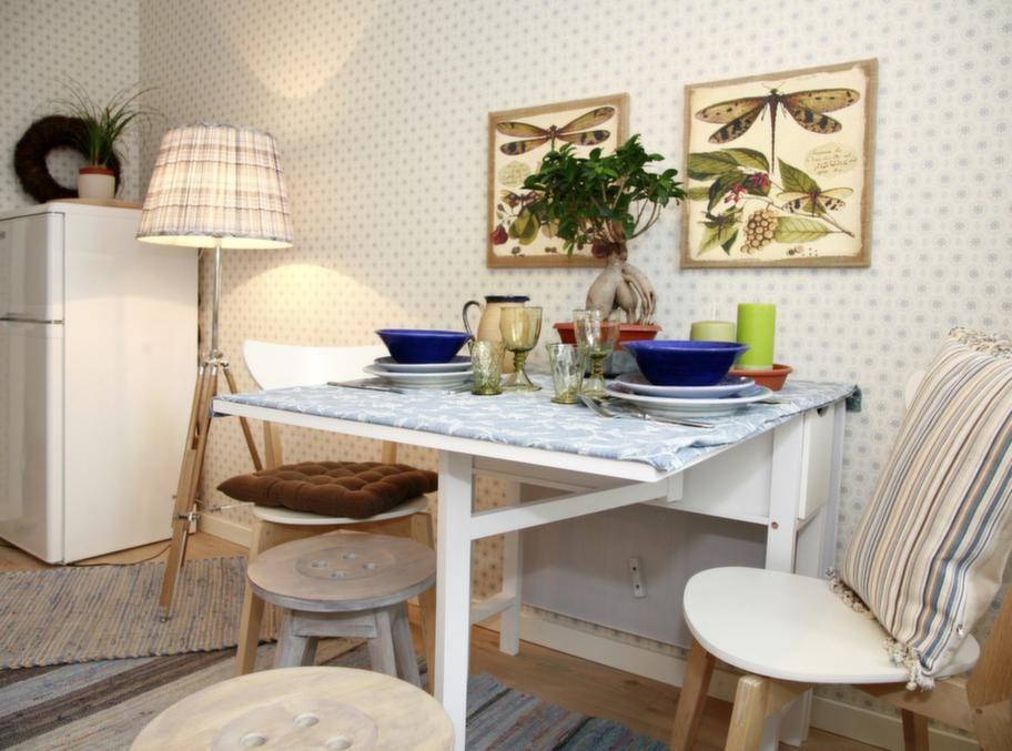 Slagbord en bra basmöbel när bordet ska dukas för fler.