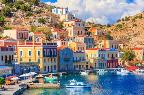 Vackra Symi påminner om Italienska Amalfikusten.