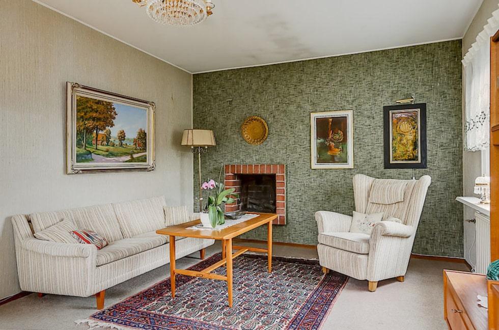 Huset består av fyra rum och kök med arbetskök med intilliggande matrum.