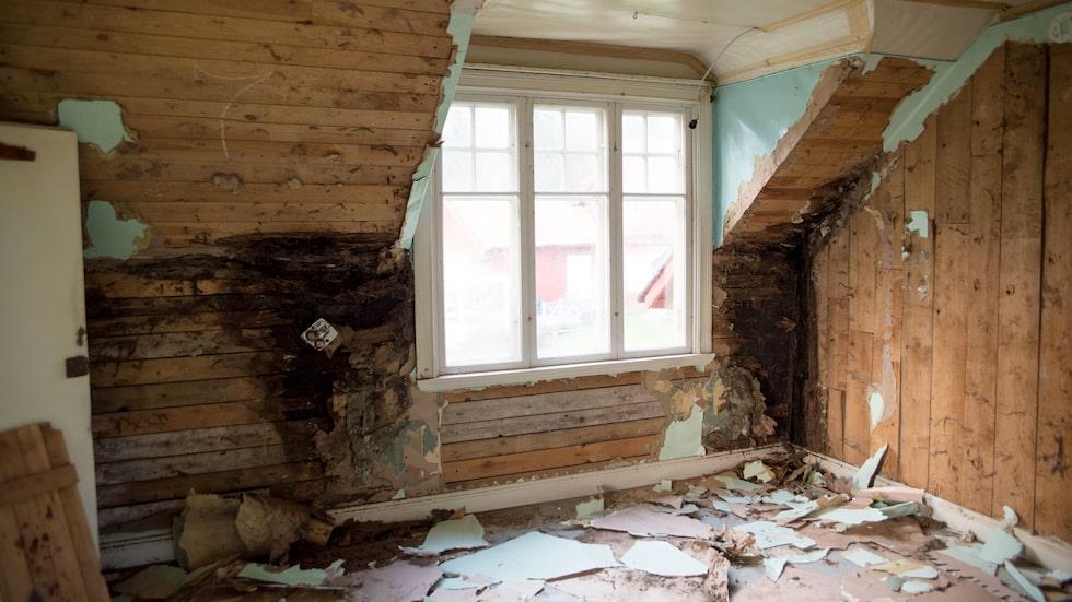 Här är ett exempel på vilket skick huset var i. Det här är dotterns Weras rum.