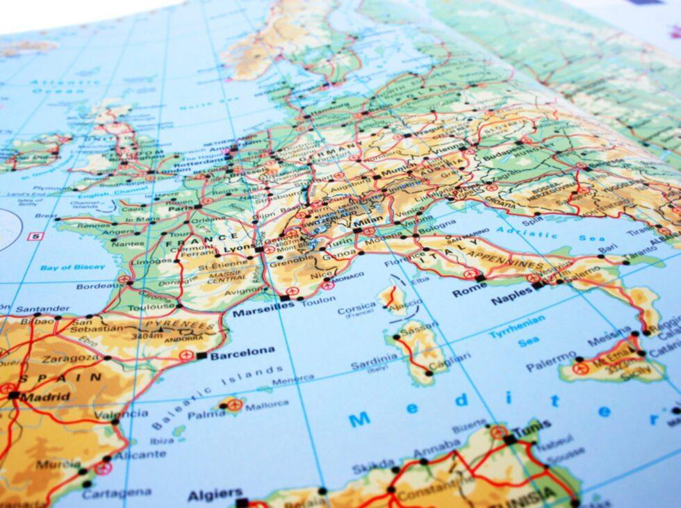 Bland de områden som riskerar att drabbas hårdast finns populära semesterresmål vid Medelhavet.