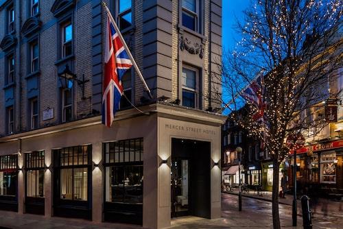 Boutiquehotellet Radisson Edwardian Mercer Street Hotel ligger centralt i Covent Garden.