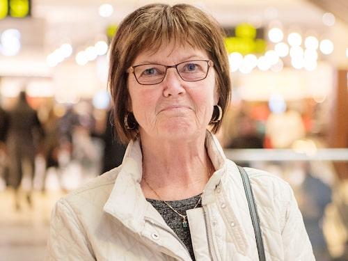 """Anna-Lena Nordin, 58, undersköterska, Kilafors: """"Jag äter blodförtunnande, Trombyl och en till sort för mina trånga blodkärl och det har förstörd mina tarmar och magen helt. Läkarna håller på att utreda det och har under tiden skrivit ut något för magen som inte alls hjälper."""""""
