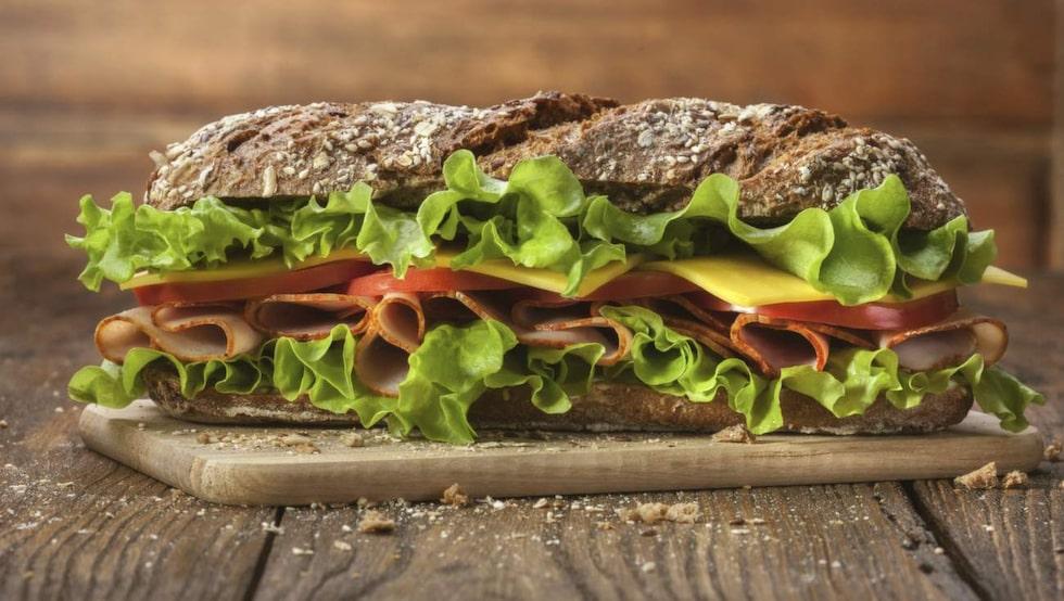 <p>Brödsuget kan du bli av med med till exempel kött eller jordnötssmör.</p>