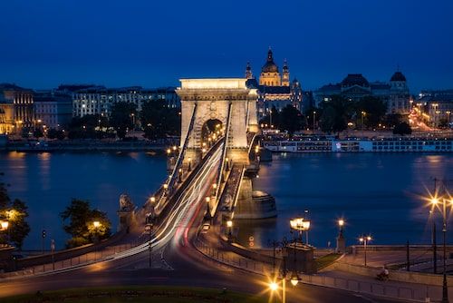 Kedjebron i Budapest.