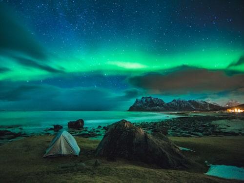 Lofoten har ofta kallats världens vackraste skärgård och är perfekt om du vill tälta.