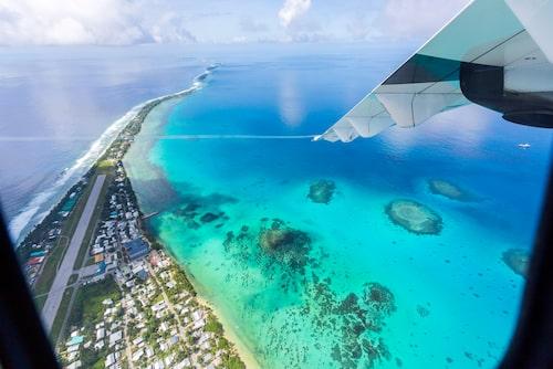Internetdomänen .tv är en viktig inkomstkälla för Tuvalu. Ett amerikanskt företag har pungat ut en rejäl slant för att få använda domänen.