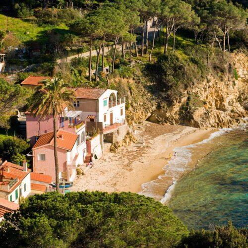 Ön Elba strax utanför Toscanas kust är beroendeframkallande