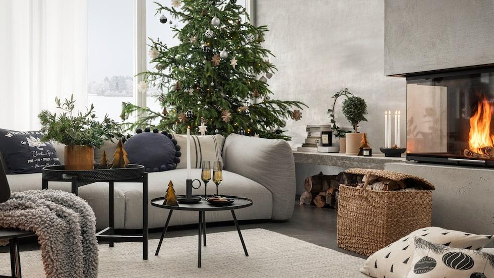 Modern avskalad jul i naturnära toner.