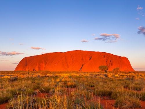 Uluru är en av Australiens största klippor – men högst är den inte.