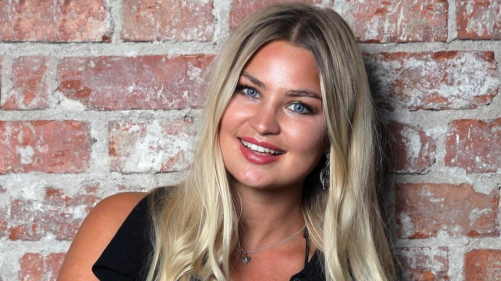 """Jennifer Åkerman har bland annat jobbat som modell. """"Drömmen är att få göra en kampanj. Gärna där jag får se cool ut ihop mitt band Bloke & Bird, som jag har med en svensk kille, Lorenzo."""