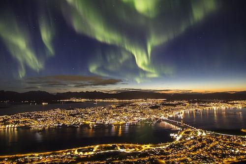 Norrsken över Tromsö, Norge.