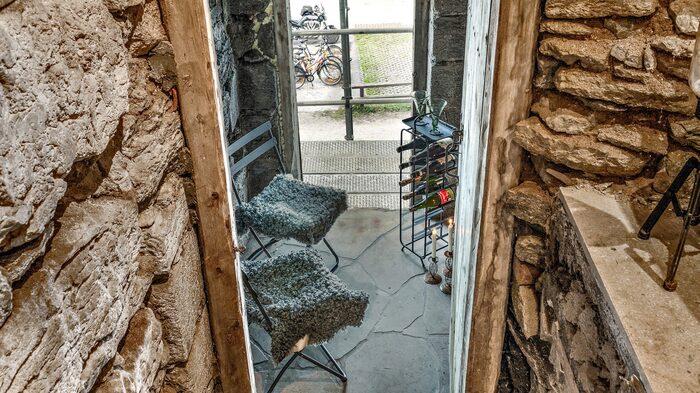 Numera är det vinkällare här, med en historia som sträcker sig tillbaka till 1400-talet.