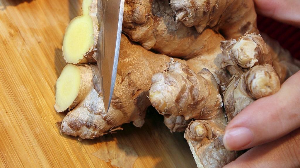 Färsk ingefära och koriander ingår i favoritgrytan.