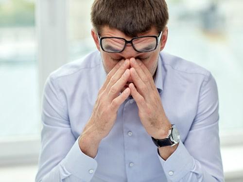 Stress är en vanlig utlösande faktor vid spänningshuvudvärk.