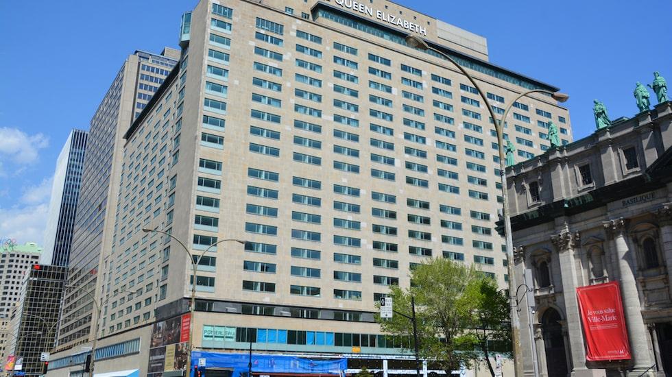 """Deras """"bed-in"""" i scensattes vid två tillfällen, på två olika hotell. Dels på Hilton i Amsterdam, dels på nu aktuella hotell Fairmont Queen Elizabeth i kanadensiska Montreal"""