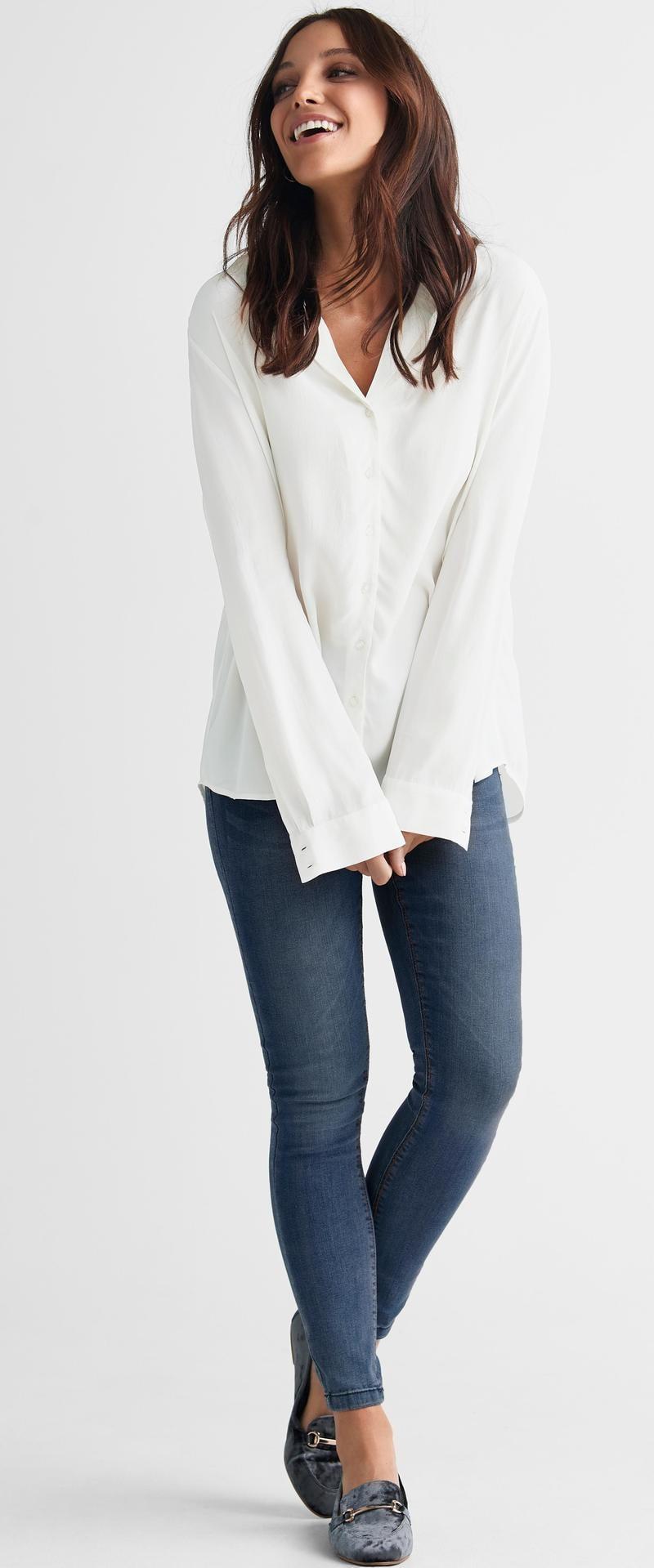 Stretch.  Jeggings Nina i skönt, stretchigt jeanstyg. Smal passform.  Igensydda fickor framtill och två påsydda bakfickor, 399 kronor, Ellos.