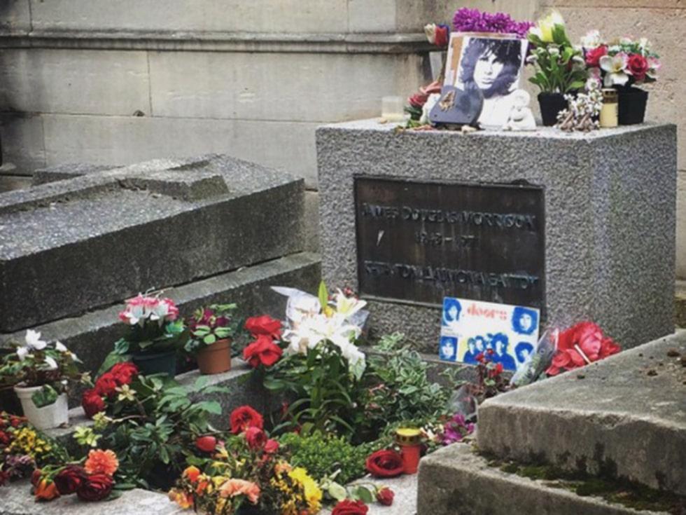 James Morrisons grav på Pere Lachaise-kyrkogården i Paris.