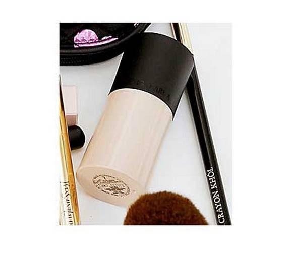 "Rosig highlighter ""Fluid sheer"" från Giorgio Armani cosmetics, 455 kronor."