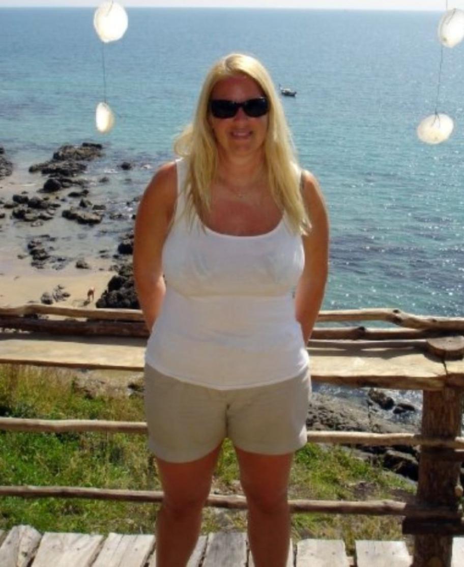 """<strong>FÖRE: </strong><br>Veronica berättar att hon blir chockad när hon ser sig själv på sina bilder från semesterresan i Thailand. """"Det är ganska jobbigt att titta på dem faktiskt. Det konstiga är att man vänjer sig vid att vara överviktig. Jag mådde aldrig jättedåligt över min vikt men jag var inte bekväm heller. Jag tyckte inte det var jättekul att sola på stranden"""", säger hon."""