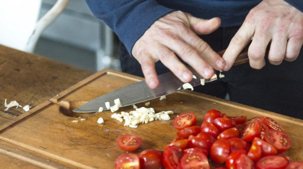 Paolo lagar en vardagsfavorit – pappardelle con salsiccia. Välj en bra salsiccia, gärna med tryffel eller chili i, tipsar Paolo.