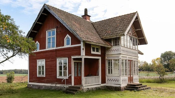Övervåningen är oinredd och kan till exempel göras om till fler rum.