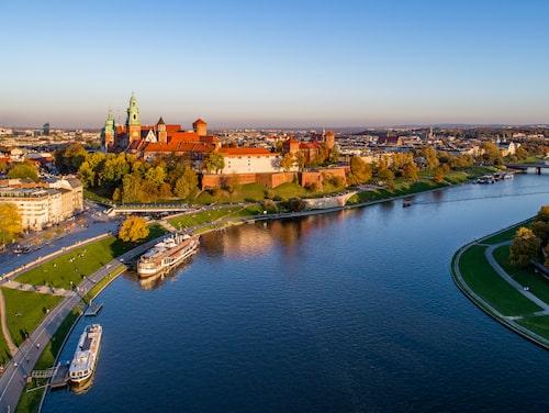 Floden vid det kungliga slottet i Krakow.