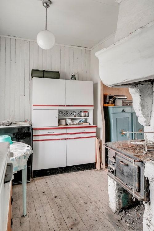 Köket med en mycket gammal spis...