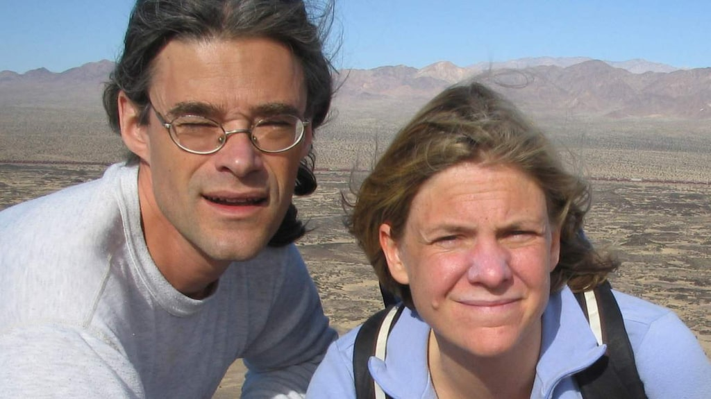 Magdalena med maken Richard på vandring i Kalifornien.