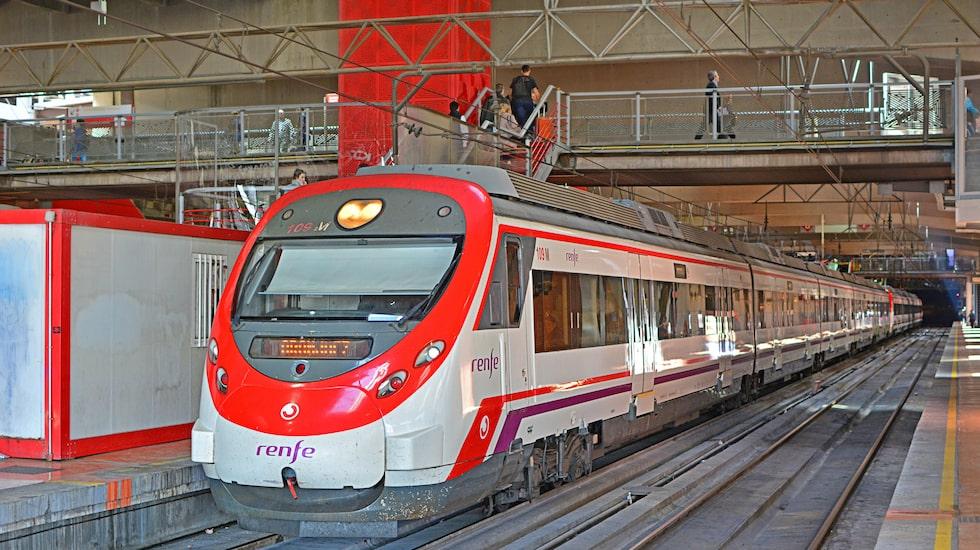 Enligt bilder i den kanariska pressen är det ett tåg av modell CAF Civia som kan bli aktuellt för trafiken på Gran Canaria.
