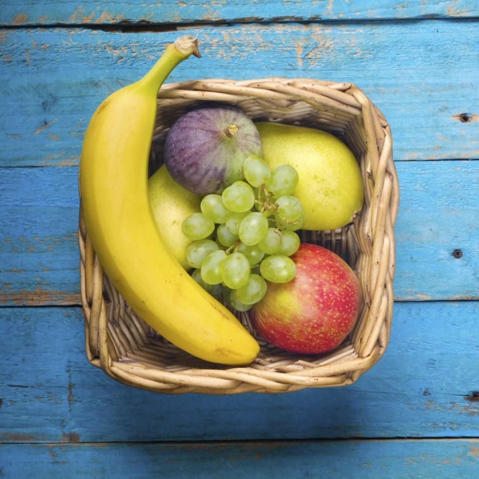 """""""Ett högt intag av frukt under tonåren är kopplat till den efterföljande risken för bröstcancer"""", säger Anja Olsen, som är seniorforskare i kost, gener och miljö vid Center för cancerforskning."""
