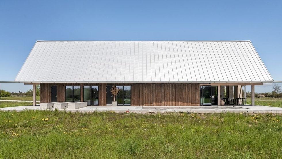 Den påskostade villan som ligger på södra Gotland är till salu för 8 miljoner.