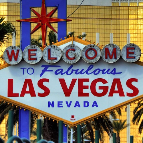 Kitschiga 50-talsinspirerade välkomstskylten i Las Vegas.