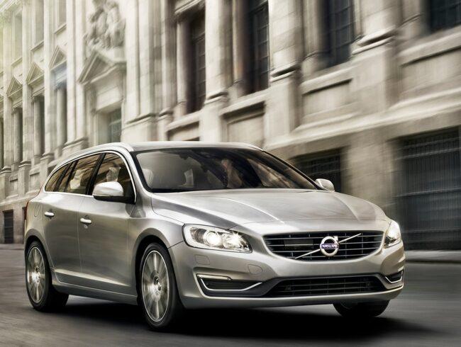 Volvo V60 är en säker bil, men Golf vinner även den ronden.