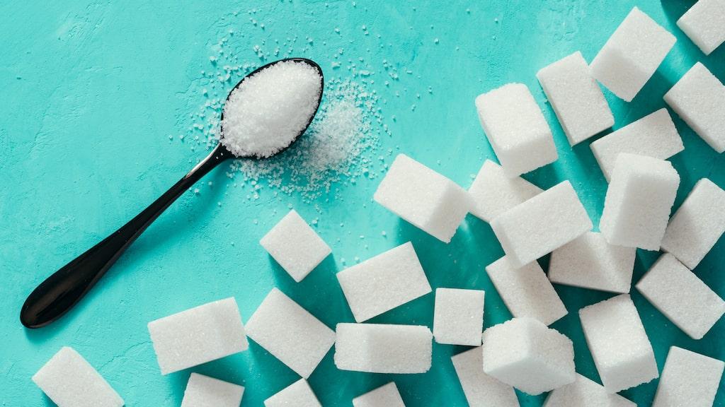 Högt blodglukos kan bero på olika saker. Stress, mycket sockerrik mat, brist på motion och sjukdom till exempel.