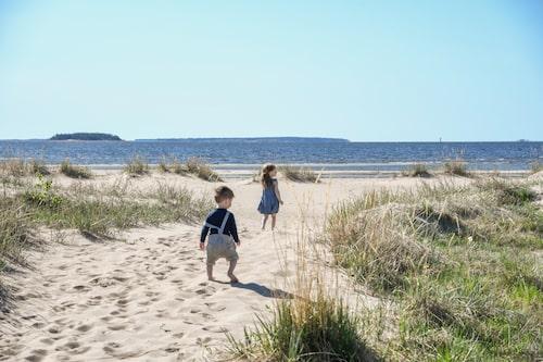 Kilometerlång och finkornig, sådan är sandstranden vid Pite havsbad.
