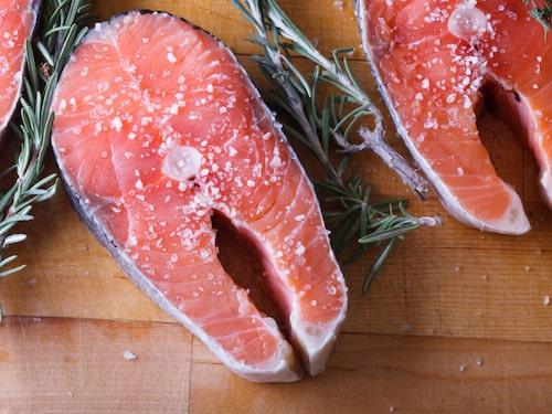 Särskilt vit fisk är prisvärt, menar Fredrik Paulún