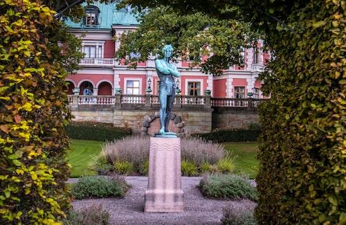 Täcka udden är numera Wallenbergimperiets representationsvilla.