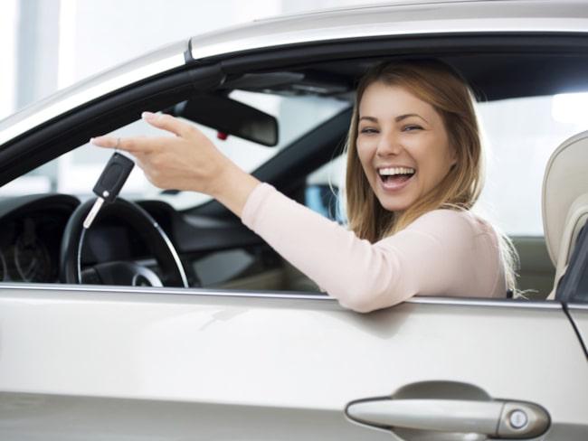 Kvinnor tar mer hänsyn till förbrukning och försäkringskostnader.