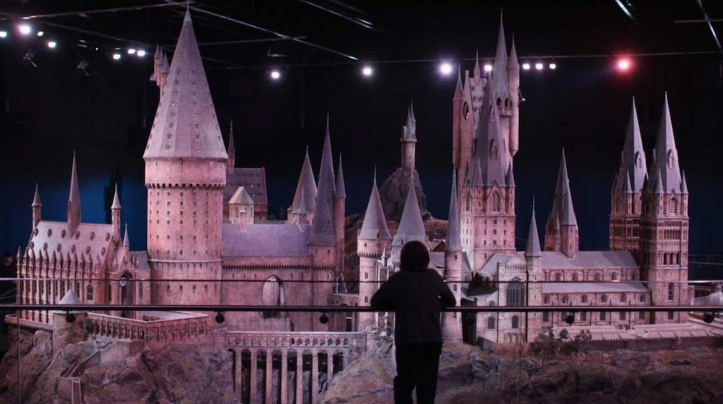 Leavesden, London. Ingen som har förtrollats av berättelserna om Harry Potter och hans magiska värld bör missa ett besök i filmstudion.
