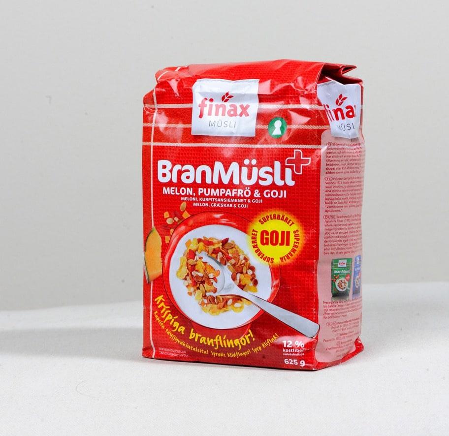 2 getingar. Märke: Branmüsli+Melon, pumpafrö,goji, Finax. Pris: Cirka 35 kronorför 625 g. Ulrikas omdöme: Det är bara nio gram socker i denna produkt vilket är okej. Tyvärr är det också en massa onödiga ingredienser, som till exempelvetemjöl, rismjöl och majsmjöl.
