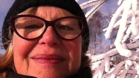 Kerstin Ljungström blev mycket förvånad över vad hon hittade under sin skogspromenad.