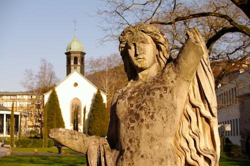 Avkopplande bad på Tysklands klassiska kurtort Baden-Baden.