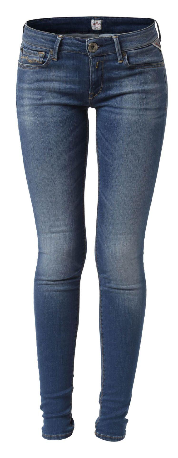 Extra elastisk.  Luz denim Hyperflex-jeans i femficksmodell från Replay. Skinny fit. Materialblandningen gör byxan extra elastisk och bekväm samtidigt som den håller formen efter användning, 1 599 kronor, MQ.