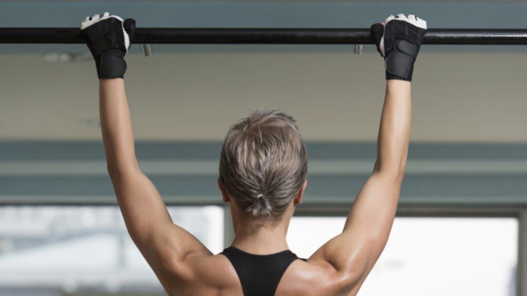 Pull ups och chins är utmärkta övningar för biceps.