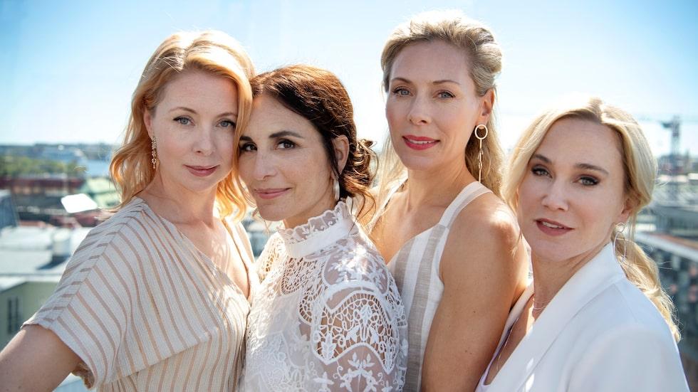 """Alexandra tillsammans med kollegorna Julia Dufvenius, Eva Röse och Anja Lundqvist som också spelar i serien """"Heder""""."""