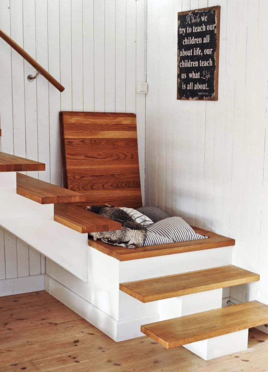 FörvaringSmart trappa med extra förvaringsutrymme för filtar och kuddar.