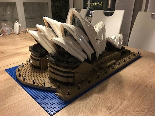 Operahuset Sydeny inköpt på Legoland blev Rickards första legobygge som vuxen.